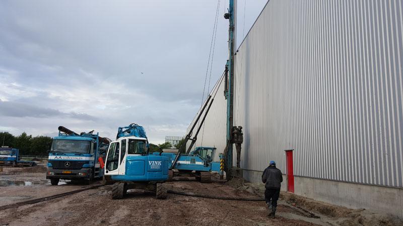 New Holland  e 70 bsr 8 tons graafmachine op rupsen